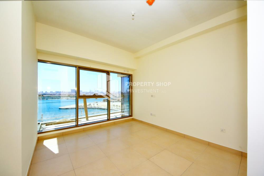 Bedroom-Excellent Spacious Apt with Sea View