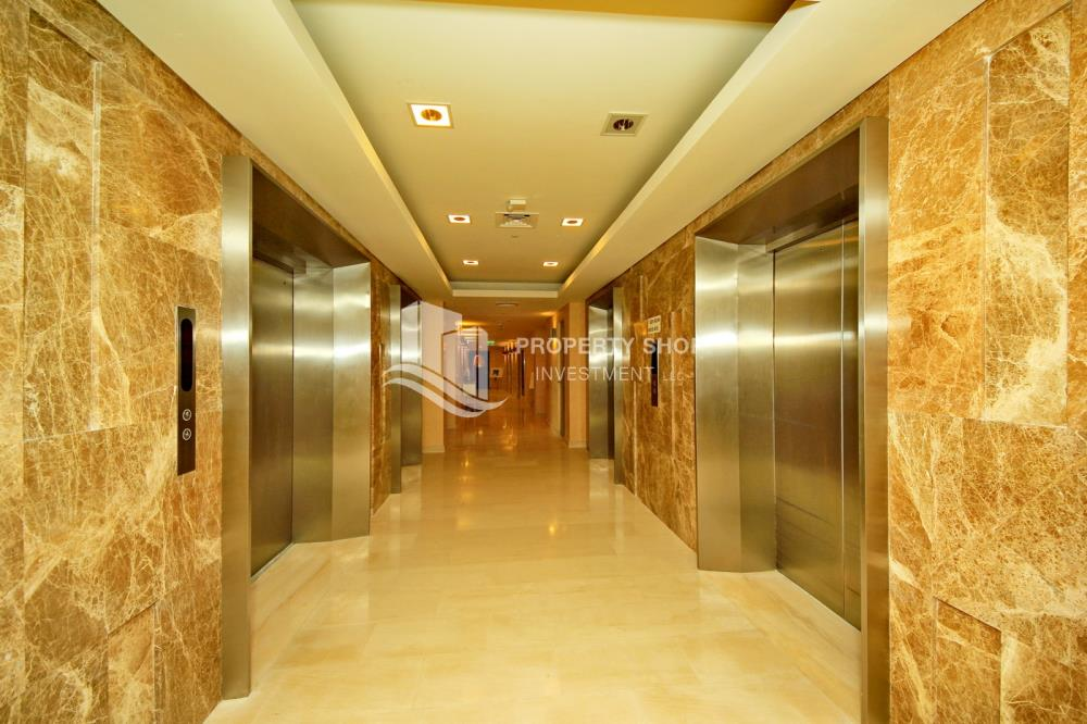 Lobby-Excellent Spacious Apt with Sea View