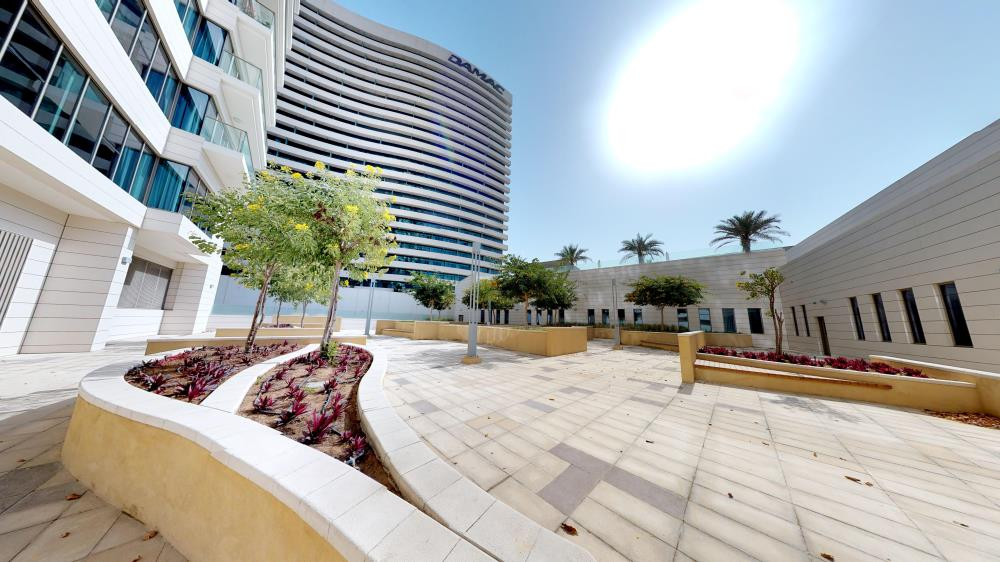 Community-Excellent Spacious Apt with Sea View