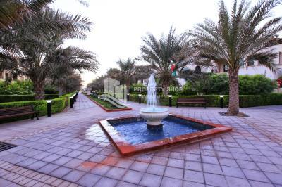 5BR+2 villa in Bloom Gardens, Huge layout, detached , rent refund