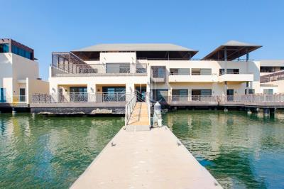 5 Bedrooms Luxurious Villa | Direct On Mangrove