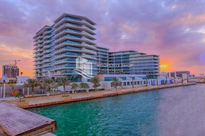 Largest 1BR Apt with Partial Sea View
