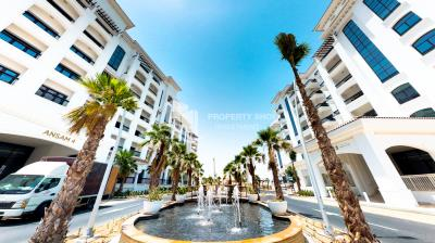 Spacious 1BHK with a balcony + laundryroom available for rent in Yas Island