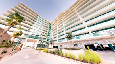 Amazing 3 bedrooms front with sea view in Al Hadeel for sale!