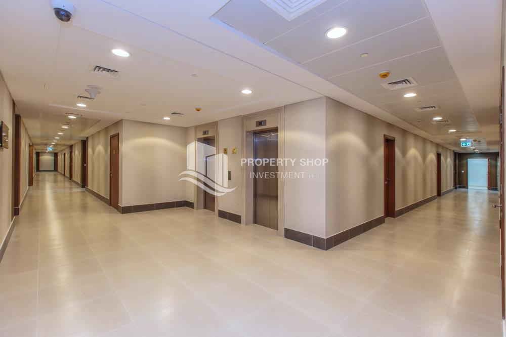 Facilities-Biggest Studio in Ansam with Golf Course View