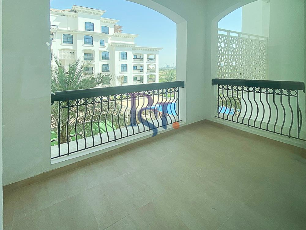 Balcony-Biggest Studio in Ansam with Golf Course View