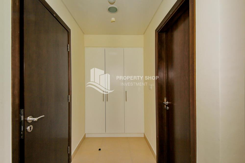 Corridor-Pay in 2 cheques! 1BR for rent in prime location.