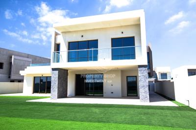 5BR Villa for Sale in Yas Acres Yas Island