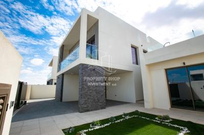 4BR Villa for Rent in Yas Acres
