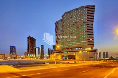 1 Bedroom Apartment in OCEAN SCAPE FOR SALE!!!