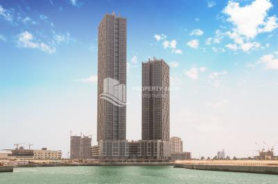 Spacious high floor, sea facing 1BHK available for rent in Horizon Tower
