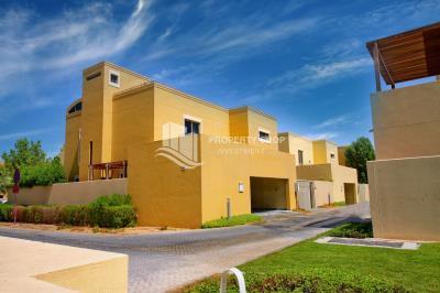 Exquisite Cozy 4+Maid Villa with Private Pool + Garden