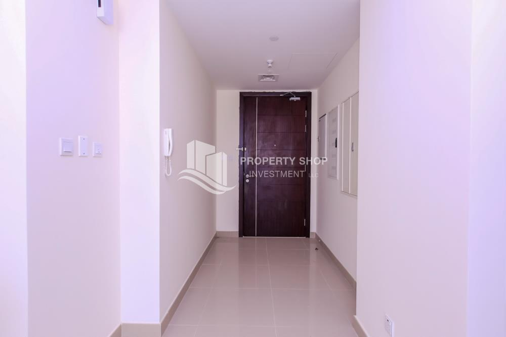 Foyer-Spacious high-floor 1BHK with a canal view available for rent in Sigma Towers
