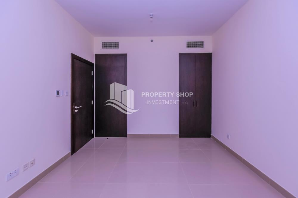 Hall-Vacant, Sea View, Selling now