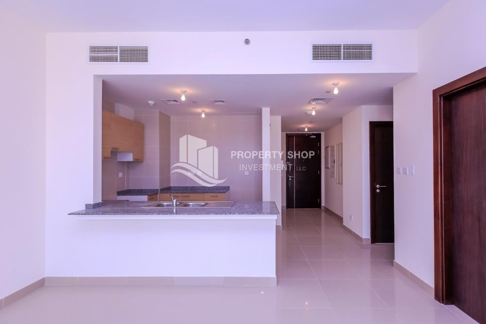 Kitchen-Vacant, Sea View, Selling now