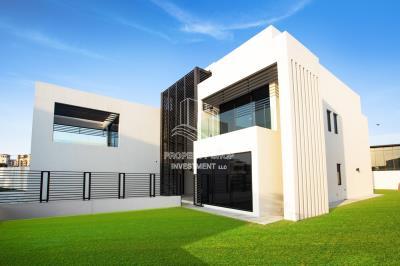 Elegant 4+Maid Brand New Villa With Huge Backyard