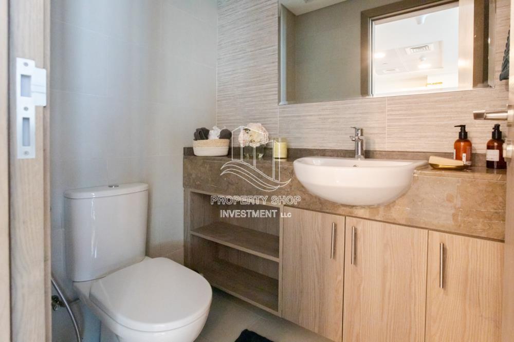 Bathroom-Hot deal below original price and high return of investment