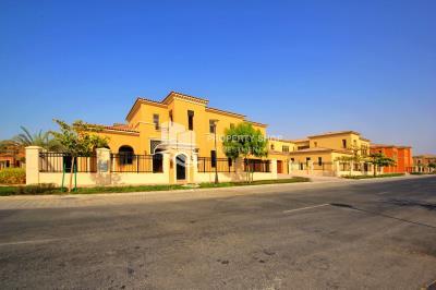 4BR Standard mediterranean villa with multiple balconies + maid's room.