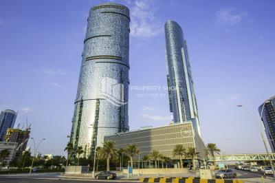 High floor with sea view in Sky Tower for sale