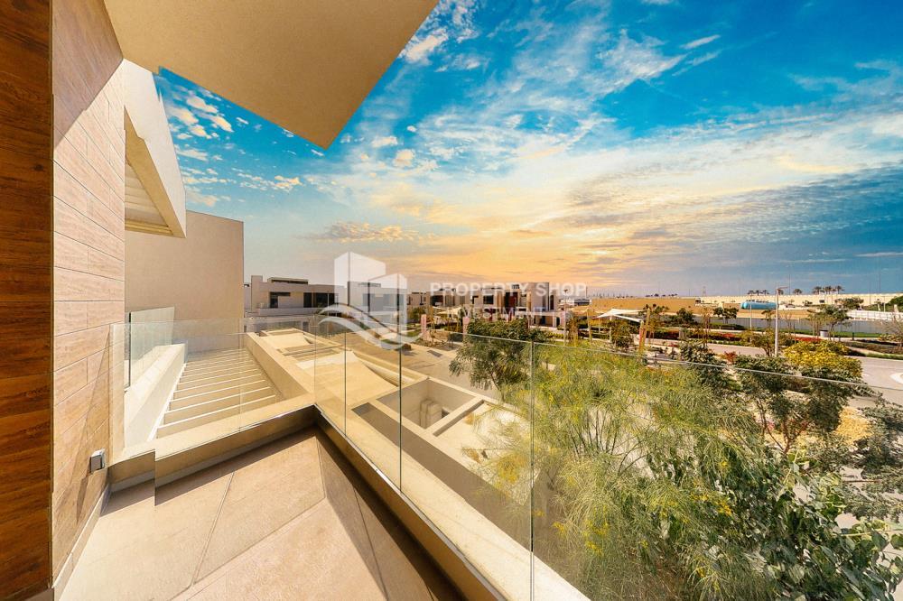 Community-5BR Big Plot Villa for Sale