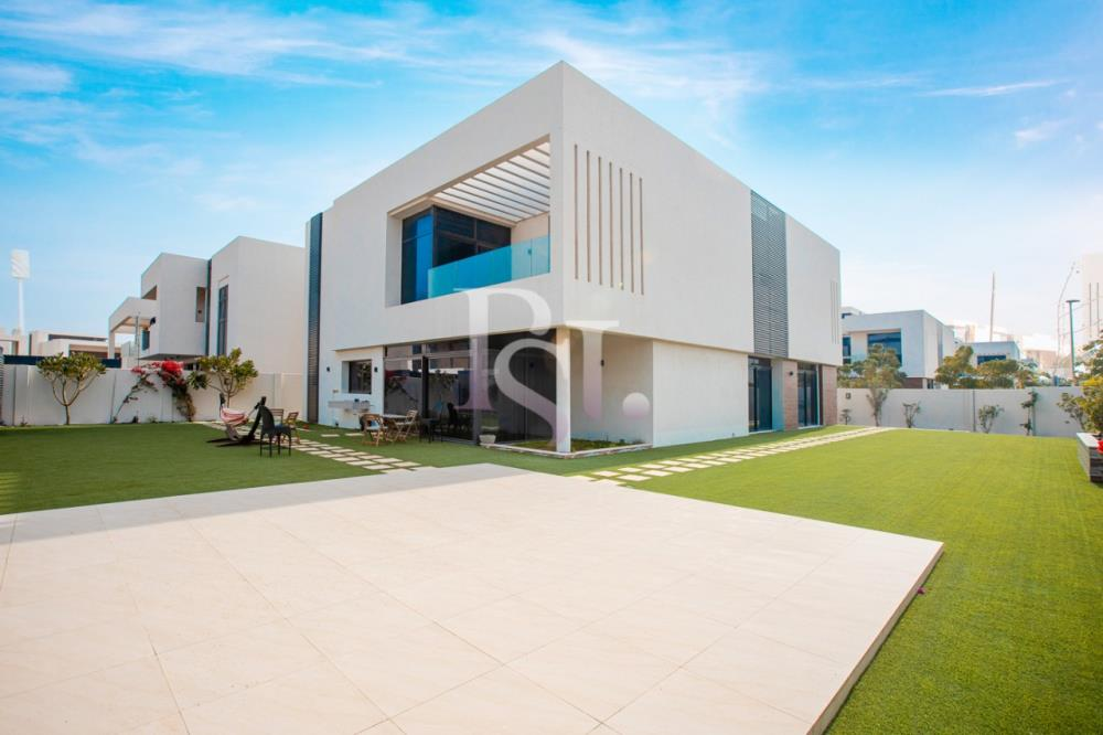 Property-5BR Big Plot Villa for Sale