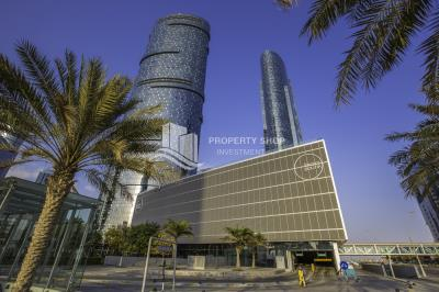 High-floor 2+M available for rent in Sky Tower
