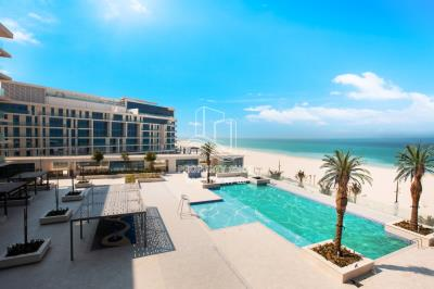 3BR Townhouse Available for Rent with BEACH view!
