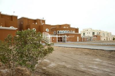 Spacious 4BR+M Villa Available for rent in Khalifa city plus maid's room