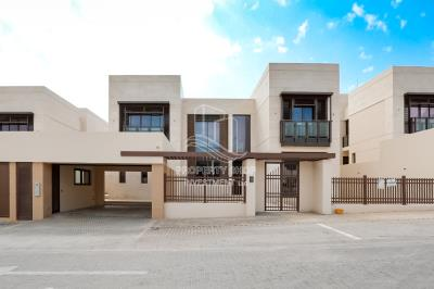 6BR+M Villa with driver's room and private pool.