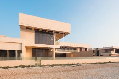 6 bedroom villa vacant to move in now with full sea view