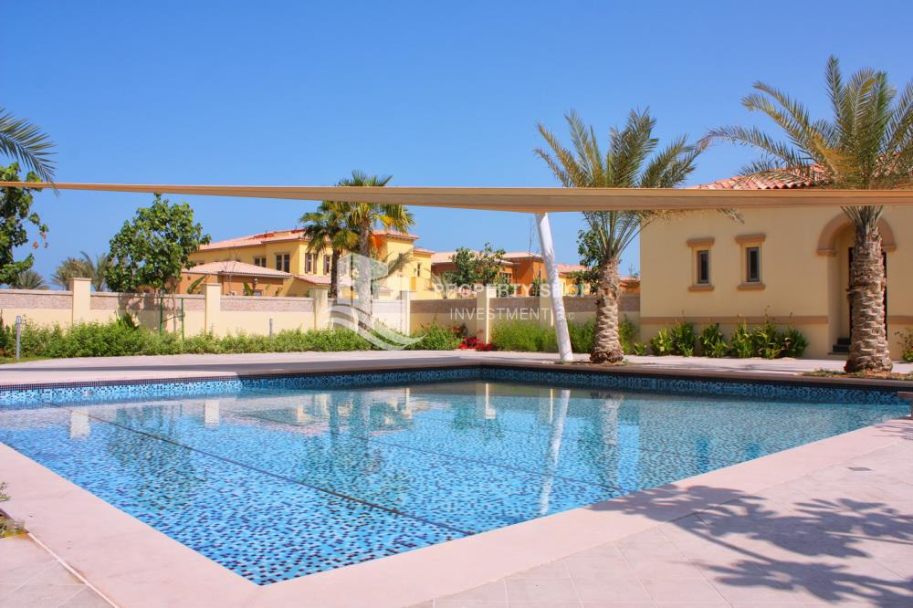 Community-Simply Spectacular Villa with Luxury Finishes & Seamless Design