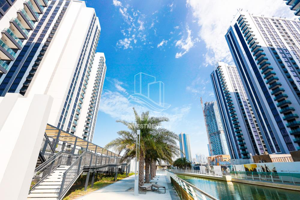 Property-Spacious 2BR Apt for Sale in The Bridges