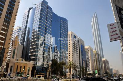 Spacious 3BR+M Apt in Khalifa Square.