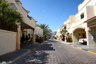 4BR+M villa with courtyard Available for rent!