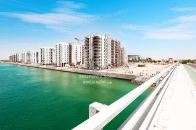 2BR Apt with Study room + partial sea view in Water's Edge