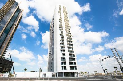 Vacant 1br apt, high floor, sea view in Meera Tower 1