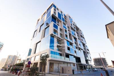 Modern Studio Apartment Offering Comfort & Style