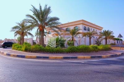 9BR villa in Mohammed Bin Zayed City for sale