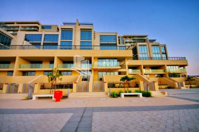 4BR Apt for Sale in Al Zeina A1