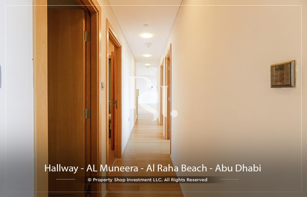 Hall-3 bedroom facing Etihad Plaza with rent refund
