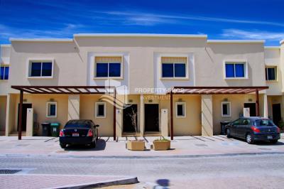 2 bedroom, single row villa in Arabian Village available for rent immediately!